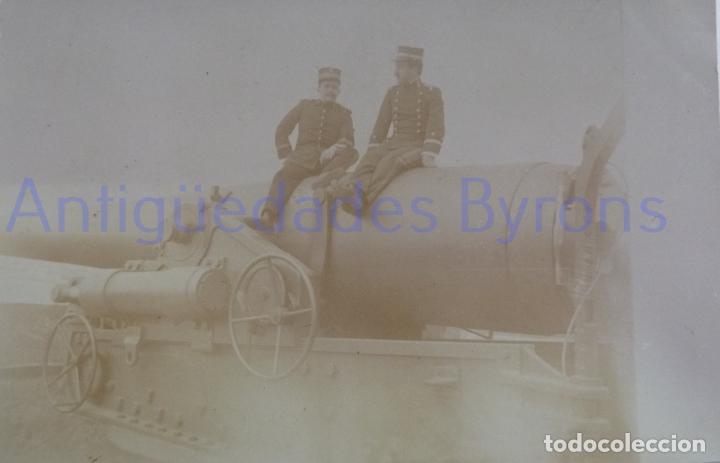 Militaria: FOTOGRAFÍA ANTIGUA. LAS PALMAS DE G.C. TENIENTES DE ARTILLERÍA. ÉPOCA ALFONSO XIII (14 X 9 CM) - Foto 2 - 257589915