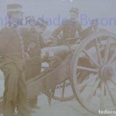 Militaria: FOTOGRAFÍA ANTIGUA. LAS PALMAS DE G.C. CAÑÓN Y ARTILLEROS. ÉPOCA ALFONSO XIII (14 X 9 CM). Lote 257591015