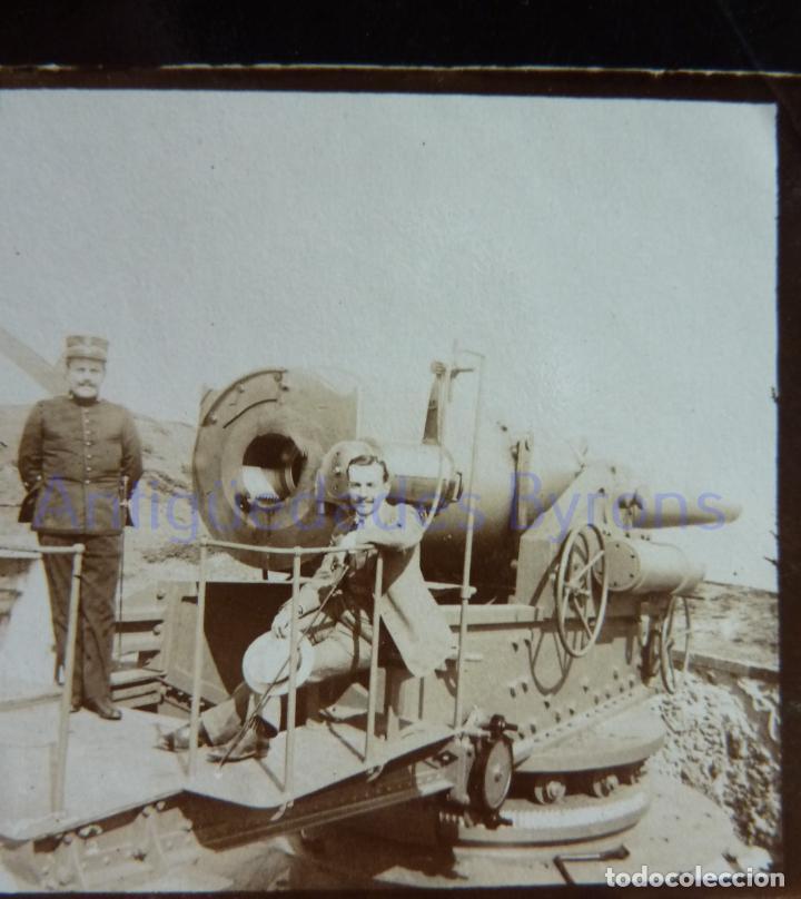 Militaria: FOTOGRAFÍA ANTIGUA. LAS PALMAS DE G.C. CAÑÓN Y ARTILLERO. ÉPOCA ALFONSO XIII (9 X 6 CM) - Foto 2 - 257595805