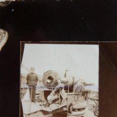 Militaria: FOTOGRAFÍA ANTIGUA. LAS PALMAS DE G.C. CAÑÓN Y ARTILLERO. ÉPOCA ALFONSO XIII (9 X 6 CM). Lote 257595805