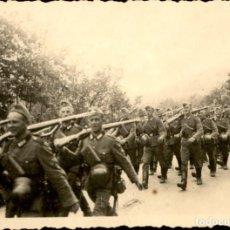 Militaria: ORIGINAL DE EPOCA - III REICH - SOLDADOS ALEMANES HEER - NAZI - MEDIDAS: 85 X 65 MM RUSIA. Lote 257872490