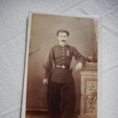 Militaria: ANTIGUA FOTOGRAFIA DE MILITAR.CRISTOBAL RUBIO.FOTO JUAN MANZANO.LERIDA.FINALES DEL XIX?. Lote 259114360