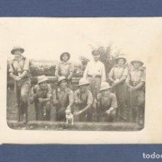 Militaria: FOTO POSTAL. MILITARES ESPAÑOLES EN LA GUINEA ESPAÑOLA - ESCRITA Y FECHADA 1935. Lote 259273230