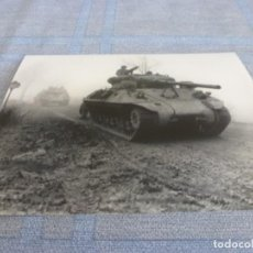 Militaria: COPIA DE FOTO MATE (11 X 15) CON ESCENAS DE LA SEGUNDA GUERRA MUNDIAL. Lote 261262595