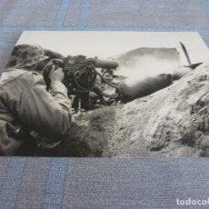Militaria: COPIA DE FOTO MATE (11 X 15) CON ESCENAS DE LA SEGUNDA GUERRA MUNDIAL. Lote 261262715