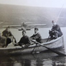 Militaria: FOTOGRAFÍA SOLDADOS AVIACIÓN REPUBLICANA BASE DE HIDROAVIONES ATALAYÓN. 1933. Lote 263194635