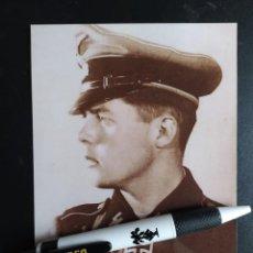 Militaria: FOTOGRAFIA DE GRAN CALIDAD PLASTIFICADA DE GERARDUS MOYMAN CON LA FIMA DEL SOLDADO.. Lote 265169474