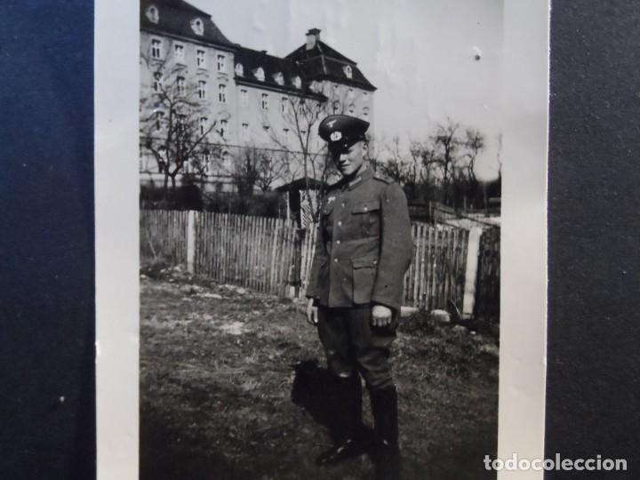 SUBOFICIAL DEL 41 ART. REGIMIENTO 5 INF. DIVISION JUNTO A SU CUARTELES. ULM-RENANIA. AÑOS 1939-45 (Militar - Fotografía Militar - II Guerra Mundial)