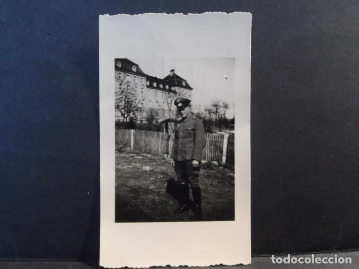 Militaria: SUBOFICIAL DEL 41 ART. REGIMIENTO 5 INF. DIVISION JUNTO A SU CUARTELES. ULM-RENANIA. AÑOS 1939-45 - Foto 2 - 267503474