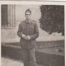 Militaria: RETRATO DE JÓVEN MILITAR CON CIGARRO. RECUERDO DE ZARAGOZA. MINUTERO. AÑOS 40 AA. Lote 268586549