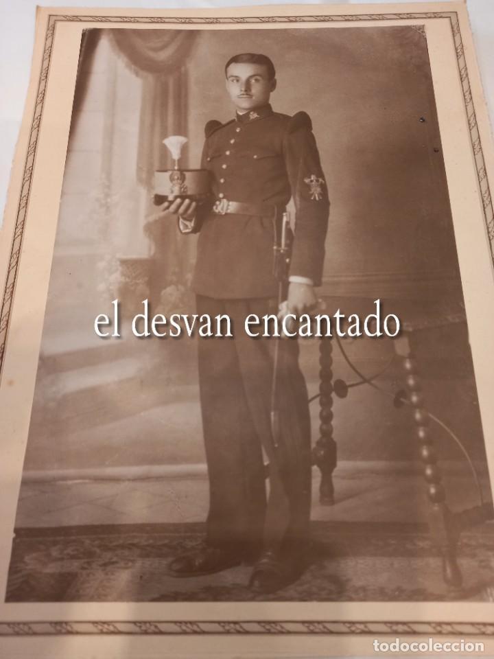 ANTIGUA FOTO SOLDADO ÉPOCA ALFONSINA. UNIFORME DE GALA. 22 X 15 CTMS (Militar - Fotografía Militar - Otros)
