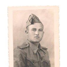 Militaria: SOLDADO ESPAÑOL EN FECHA 9 DE MAYO DE 1944. DEDICATORIA. Lote 268864609