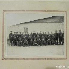 Militaria: FOTOGRAFIA - REGIMIENTO DE MILITARES - AÑOS 30. Lote 269235848