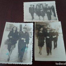 Militaria: 3 ANTIGUAS FOTOGRAFIAS DE MILITARES PASEANDO LA SEMANA SANTA EN MADRID 1947, 6 X 8 CM. Lote 271547243