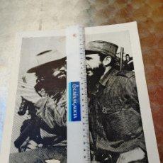 Militaria: CUBA. FOTO ORIGINAL DEFIDEL CASTRO Y CAMILO CIENFUEGOS ENVIADA A ESPAÑA EN 1959 MANUSCRITA 23X29 CM.. Lote 271702723