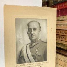 Militaria: AÑO 1939 - FOTOGRAFÍA ORIGINAL DE FRANCISCO FRANCO DEDICADA A UN GENERAL AUTÓGRAFO MILITAR. Lote 276713813