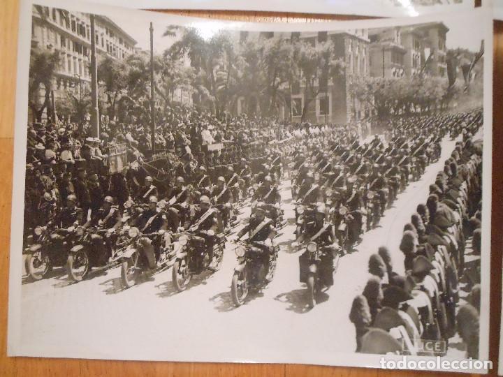 Militaria: 6 FOTOGRAFIAS CON BENITO MUSSOLINI PASANDO REVISTA MILITAR MILAN ITALIA MOTOS - ORIGINAL - Foto 5 - 276755578