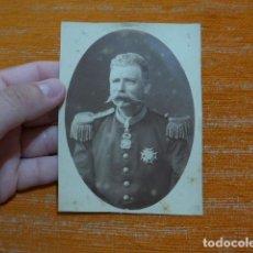 Militaria: ANTIGUA FOTOGRAFIA ESPAÑOLA CON MEDALLAS ORDEN ISABEL LA CATOLICA, SIGLO XIX, ORIGINAL.. Lote 278536018