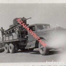 Militaria: GUERRA CIVIL, TRANSPORTE DE TANQUE EN EL FRENTE DE CORDOBA,,85X60MM. Lote 278682503