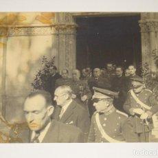 Militaria: POSGUERRA FOTOGRAFÍA CAPITAN GENERAL DE CATALUÑA GENERAL ORGAZ, 23X17,5 CM. Lote 279510363