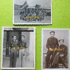 Militaria: TRES FOTOGRAFIAS DE FALANGISTAS , FRENTE DE JUVENTUDES , FALANGE ESPAÑOLA , CONDECORADOS .. Lote 286275958
