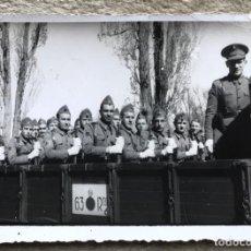 Militaria: FOTOGRAFÍA DE SOLDADOS EN UN CAMIÓN DEL REGIMIENTO N° 63 - BURGOS - PHOTO CLUB. Lote 286487738