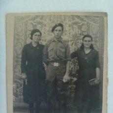 Militaria: GUERRA CIVIL : FOTO DE MILITAR O MILICIANO CON BOINA ( REQUETE ?) Y GALON DE CABO. Lote 287033548