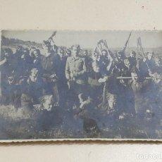 Militaria: FOTOGRAFIA DE SOLDADOS EN LS PRACTICAS DEL DIA DE TIRO, MADRID 24 DE JUNIO DE 1946, FOTO FRANCIS BEA. Lote 287860498