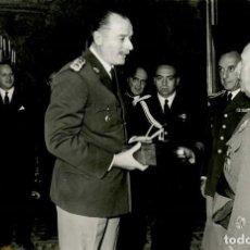 Militaria: AUDIENCIA MILITAR DE FRANCO A LA ESCUELA DE GUERRA DE LA ARGENTINA , CON EL EMBAJADOR OCTUBRE 1963. Lote 287892343