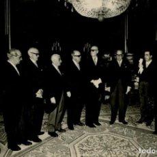 Militaria: FRANCO EN AUDIENCIA CON MAGISTRADOS Y FISCALES DEL TRIBUNAL SUPREMO PRESIDE SR CASTAN AÑO 1965. Lote 287913218