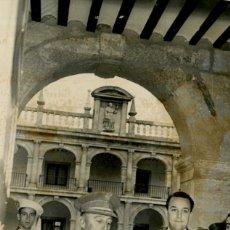 Militaria: FRANCO EN ALCALA DE HENARES EN LOS CLAUSTROS DE LA UNIVERSIDAD 16 DE DICIEMBRE DE 1960. Lote 287918753