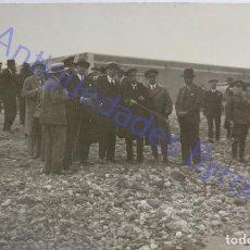 Militaria: FOTOGRAFÍA ANTIGUA. POLITICOS Y MILITARES. BAHÍA DE GANDO. TELDE GRAN CANARIA. AÑO 1927. Lote 287992773