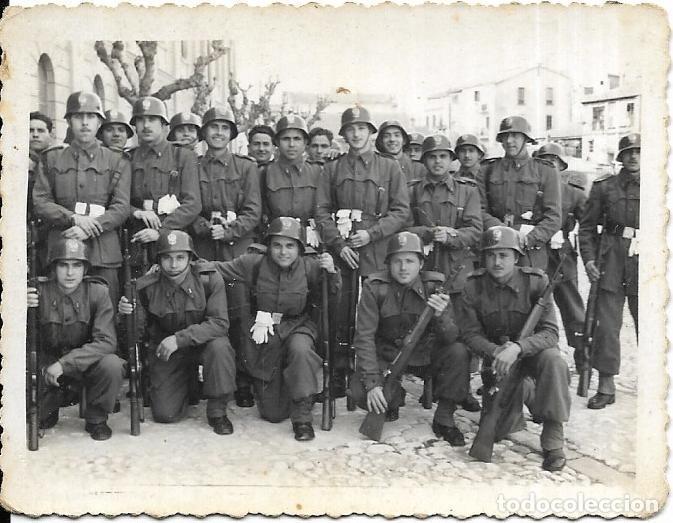 *** CU64 - FOTOGRAFIA - GRUPO DE SOLDADOS - FOTOGRAFO FELIPE ABRAILA - VALENCIA 1956 (Militar - Fotografía Militar - Otros)