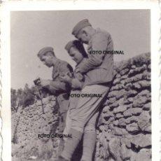 Militaria: OFICIALES ALEMANES LEGION CONDOR FOTOGRAFIANDO ZONA ARAGON LEICA GUERRA CIVIL. Lote 288676623
