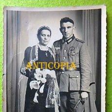Militaria: FOTOGRAFIA DE SOLDADO ALEMAN CON SU ESPOSA ,HEER ,II GUERRA MUNDIAL.. Lote 289774423