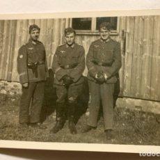 Militaria: FOTOGRAFÍA QUE APARECEN TRES DIVISIONARIOS,DIVISIÓN AZUL,BLAU DIVISION. Lote 292262648