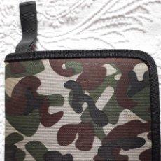 Militaria: ESTUCHE PORTA CD CAMUFLAJE DESCATALOGADO. Lote 293898418