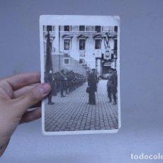 Militaria: ANTIGUA FOTOGRAFIA DE GOBERNADOR CATALAN Y CONSELLER GENERALITAT FELIX ESCALAS, PLAZA REPUBLICA,1935. Lote 295855918