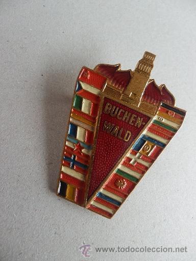 MEDALLA ANTIFASCISTA CAMPO CONCENTRACION 1958 BUCHENWALD CON LA BANDERA REPUBLICANA (Militar - Guerra Civil Española)