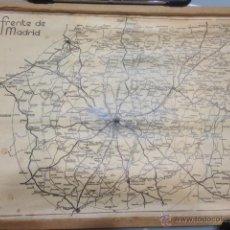 Militaria: MAPA DEL FRENTE EN MADRID. ORIGINAL. TAMAÑO 32 X 44, 5 CMS. CON SU COLGADOR DE ÉPOCA.. Lote 52359942