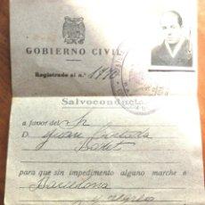 Militaria: SALVOCONDUCTO 1940 GOBIERNO CIVIL . DETRAS 2 SELLOS JOSE ANTONIO COMISARIA IGUALADA. Lote 48338687