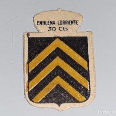 Militaria: ANTIGUO EMBLEMA AUXILIO SOCIAL - VIVES - SERIE C Nº 26 - AÑOS 40 30 CTS. Lote 104354111