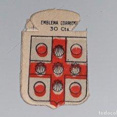 Militaria: ANTIGUO EMBLEMA AUXILIO SOCIAL - ECHAGUE - SERIE C Nº 27 - AÑOS 40 30 CTS . Lote 104355675