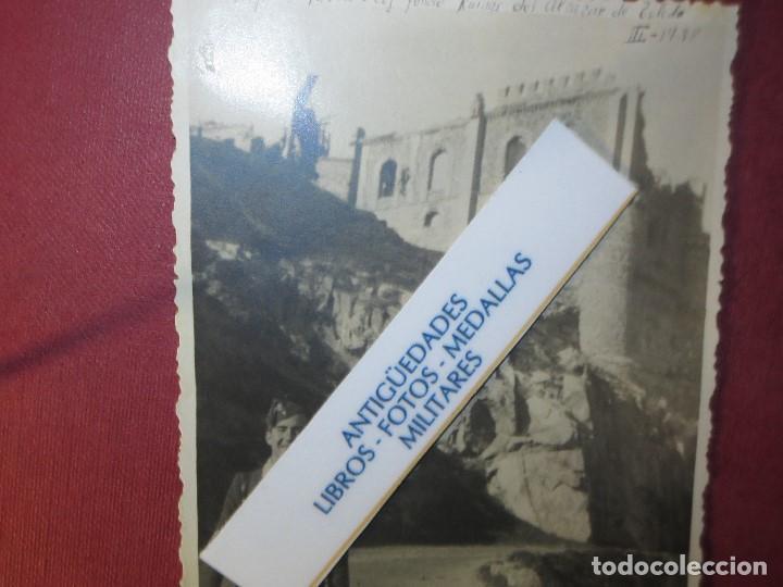 Militaria: ALFEREZ VAELLO toledo RUINAS alcazar III - 1938 FOTO ORIGINAL EN PLENA BATALLA GUERRA CIVIL ESPAÑA - Foto 2 - 118700883