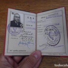 Militaria: ANTIGUO CARNET DEL CNS DE FALANGE, BARCELONA, SINDICATO DE ESPECTACULOS. . Lote 131407190