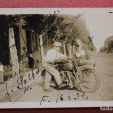 Militaria: FOTOGRAFÍA DE MOTO, 1938, ESCRITA, NO ESTÁ ROTA, BALAZOS?, 8,50X6 CM. Lote 134378626
