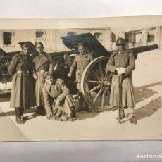Militaria: MILICIANOS. GUERRA CIVIL. FOTOGRAFÍA ORIGINAL. AL PIE DEL CAÑÓN. ALGÚN LUGAR DE VALENCIA (H.1936?). Lote 143802848