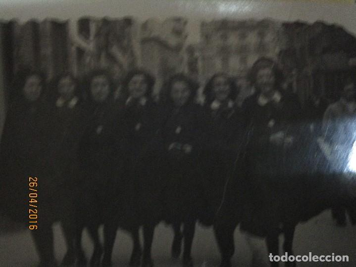 Militaria: CHICAS FALANGISTAS FALANGE EN SALAMANCA FOTO INEDITA POST GUERRA CIVIL 1946 - Foto 2 - 144204950