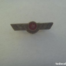 Militaria: GUERRA CIVIL - AVIACION REPUBLICA: MINUSCULO EMBLEMA DE CUELLO O GORRILLO DE LA AVIACION REPUBLICANA. Lote 150683406