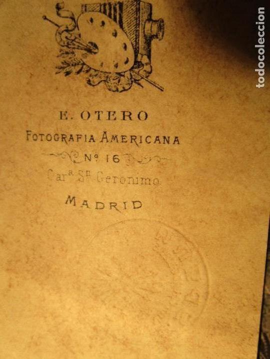 Militaria: FRANCO Y CARMEN POLO CUÑO TROQUEL FALANGE ESPAÑA FOTOGRAFIA E. OTERO MADRID - Foto 2 - 157312384